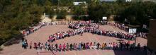 Día Mundial del Cáncer de Mama - lazo humano